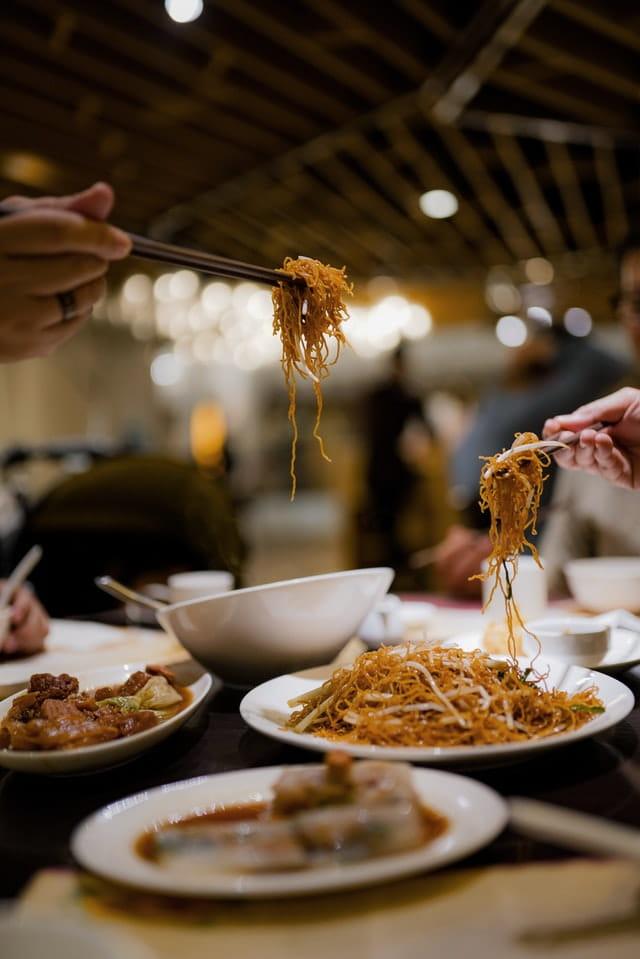 Ce-i mai bun: mâncarea chinezească sau mâncarea italiană?