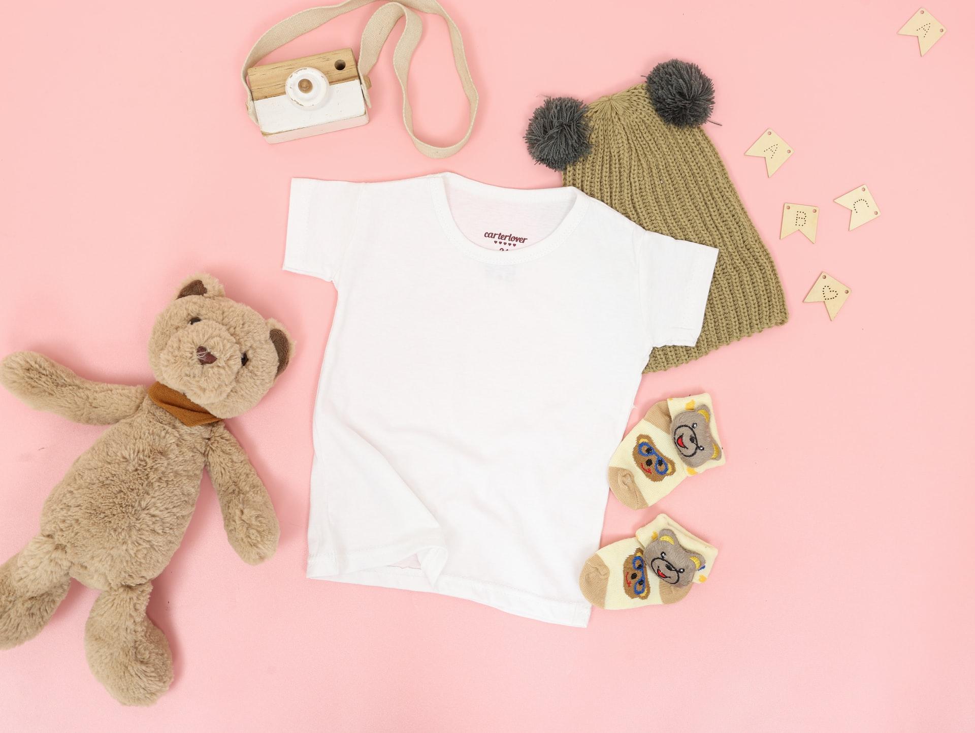 Cum aleg hainele bebelușului